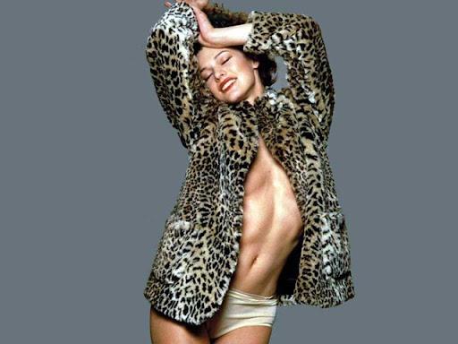 Milla Jovovich--micketo-26989164-1024-768