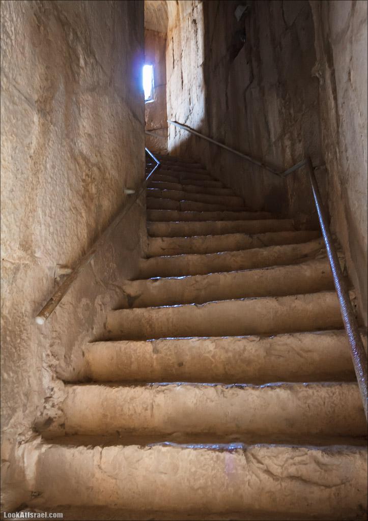 LookAtIsrael.com: Фото-блог о путешествиях по Израилю. Тель Авив, Иерусалим, Хайфа Заходим через нижний вход и поднимаемся наверх