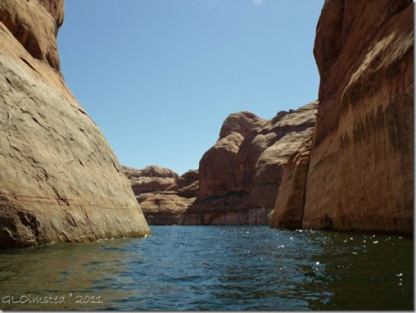13 Forbidding Canyon Lake Powell UT (1024x768)