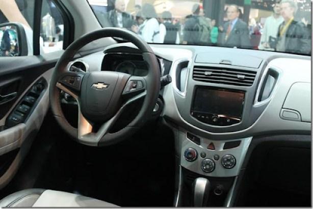 Chevrolet-Tracker-LTZ-AWD-2014-4_1024x683 - Copia