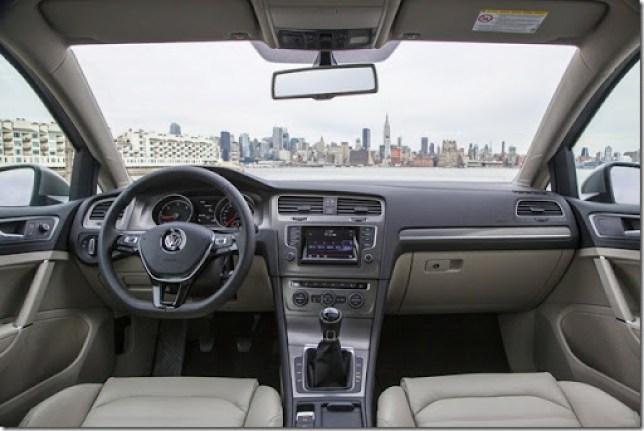 2015-VW-Golf-18[2]