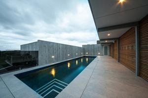 piscina-casa-Okura-de-Bossley-Architects