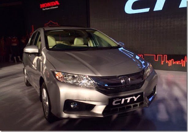 New-Honda-City-front-three-quarters-launch-live-image