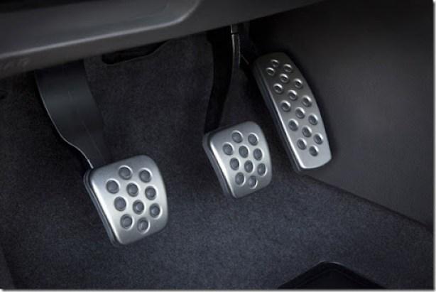 2013 Buick Verano Turbo Sport Pedals