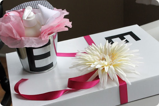 diy baby shower gift wrapping