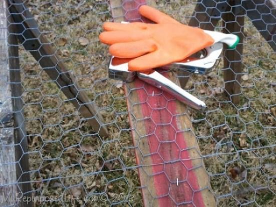 cut chicken wire