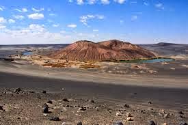 شاهد بالصور القمر يرسل بقطعة منه على صحراء ليبيا - أخبار وطني