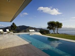 casa-con-piscina-en-california