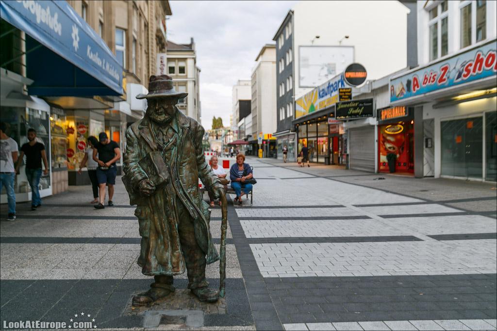 LookAtEurope.com: Евротур. Вупператаль город Энгельса и подвесной железной дороги швебебан