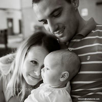 fotozate@tadejbernik-fotografiranje-nosecnic-dojenckov-malckov-druzin-mama-oce-dojencek-fotozate-druzinsko-fotografiranje-pregnancy-maternity-baby-photography-mom-dad-family (15).JPG
