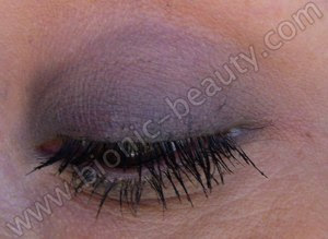 Classic hollywood halloween makeup look