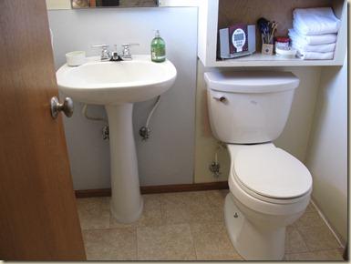 weekend bathroom redo 018