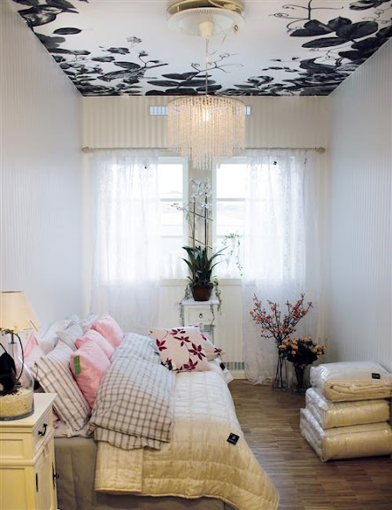 Lisa Bengtsson's custom made ceiling decoration