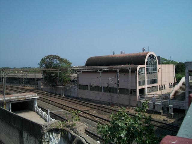 Park Town Station