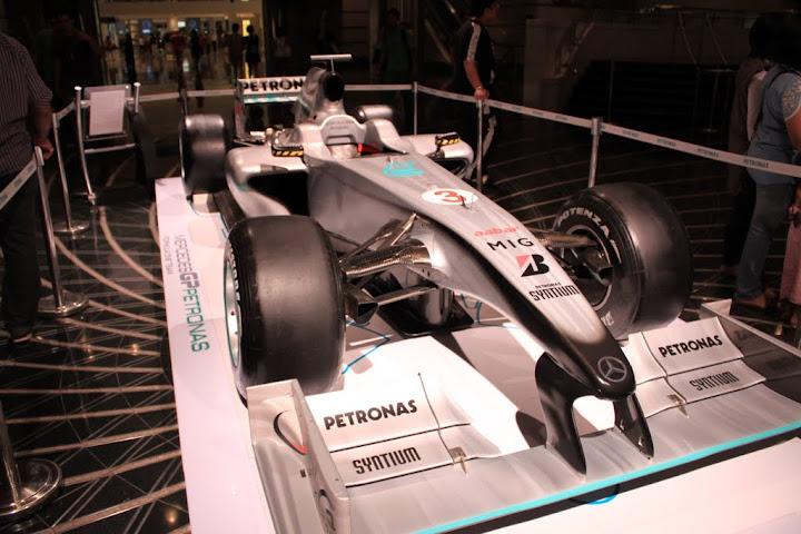 F1 yang disponsori Petronas