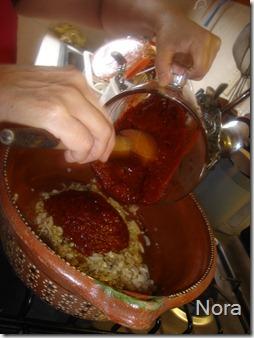 Añade la salsa licuada