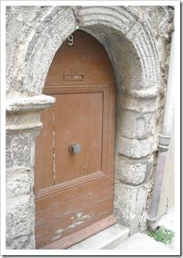 A tiny, hobbity door