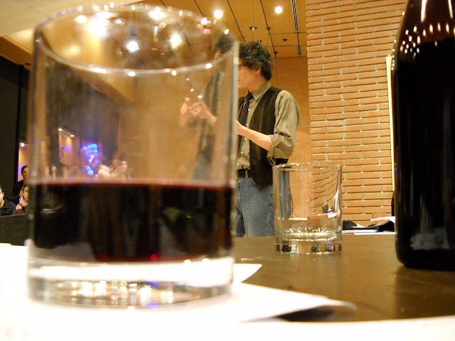 Cesare Pietoriusti regge bene il vino