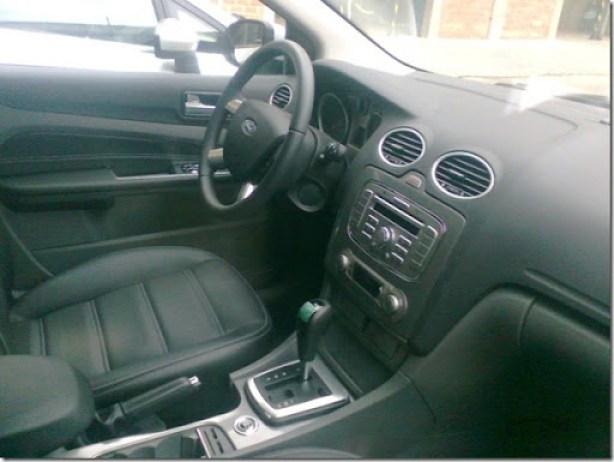 Ford Focus Titanium 2011 (2)