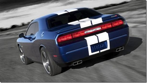 Dodge-Challenger_SRT8_392_2011_1600x1200_wallpaper_0e