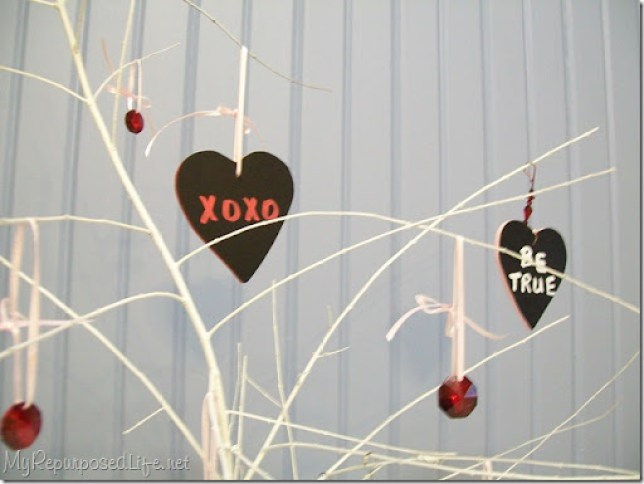 chalkboard tags (hearts)