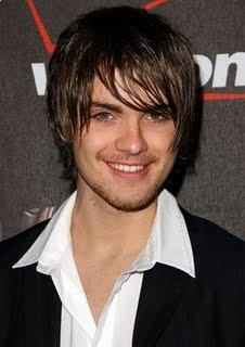 Thomas Dekker emo hairstyle for winter