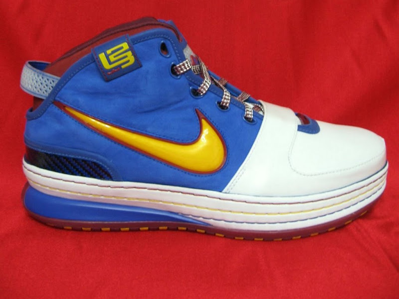 Zoom Lebron VI (Superman PE)