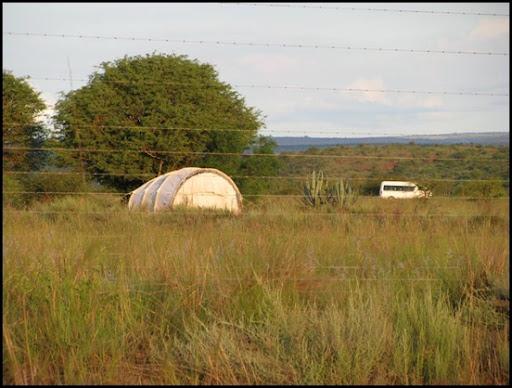 Wallmansthal UNHCR Tent camp Pienaarsrivier Jan72010 _5 BUS