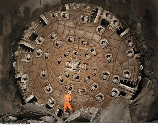 longest-rail-tunnel (12)