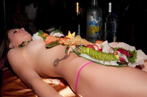 naked-body-sushi (17)