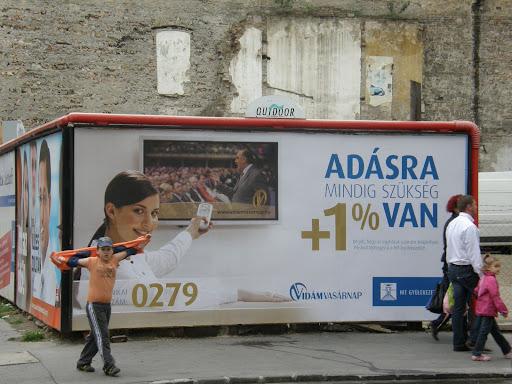 Németh Sándor,  Vidám Vasárnap, 1% adó, Hit Gyülekezete,  mobil óriásplakát,  Outdoor Média