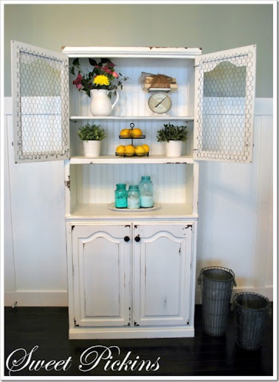 white hutch finished 010