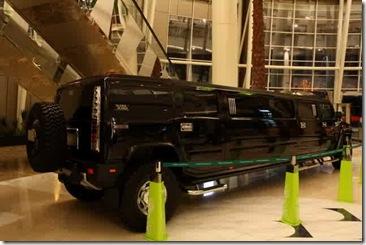 Mobil Hummer Terpanjang Di Seluruh Dunia