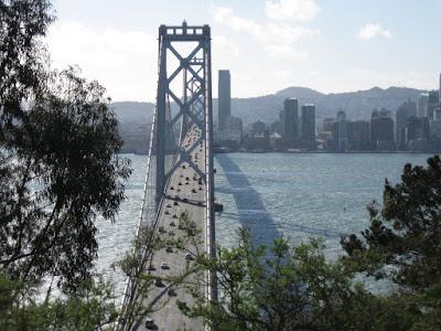 Bay Bridge Yerba Buena Islandről (ez igazi, ehhez épitették a mesterségest)