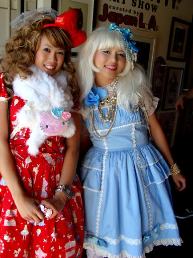 Chubby Bunny & Yume Ninja incognito in Lolita clothing at the party!