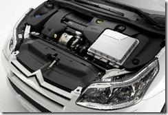 i.citroen.C4.diesel.hybrid.enginebay.05feb