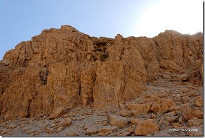 Qumran Cave 2 from below, tb052308457