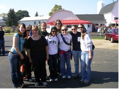 MSU SWE Members at Uncle John's Cider Mill in St. Johns, MI