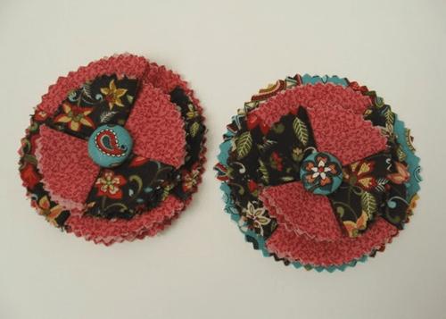 Flor de tecido estilizada