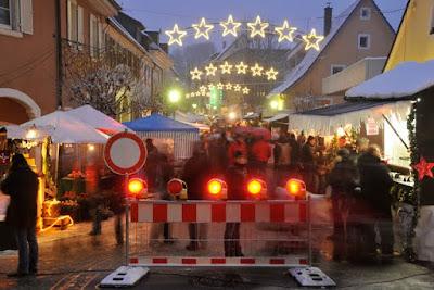 """Ausgesprochen gut besucht war Weihnachtsmarkt """"Am Lindle"""" in Müllheim."""