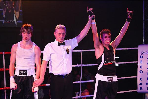 Uros Petrovic wint van Oumar Gouiloukhanov