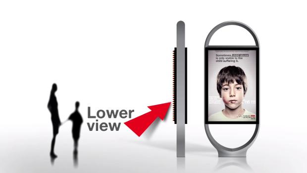 *身高視差只有孩童才看見的求救訊息:ANAR Foundation 西班牙家暴廣告! 4