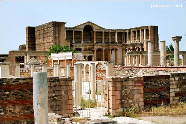 Turkey Tuesday: Gymnasium in Sardes