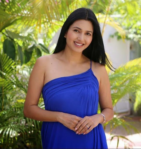 Deepti Bhatnagar Photos
