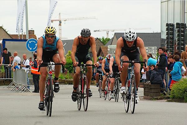 Roeselare Sport: fietsen tijdens triatlon