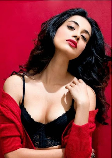 Sarah-Jane Dias Photos