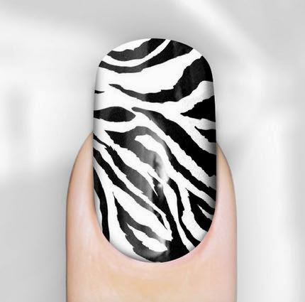 Black and White Nail Art  35 Beautiful Black & White Nail Art Designs and Ideas 2017 Black 2520and 2520White 2520Nail 2520Art 2520Ideas 252021