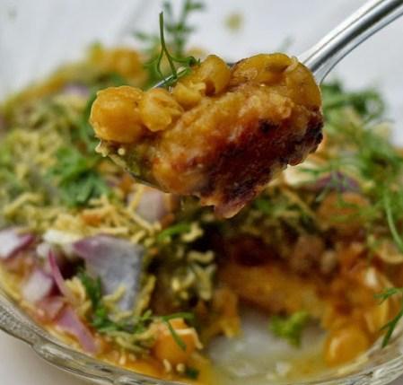 ragda patties recipe by foodomania.com