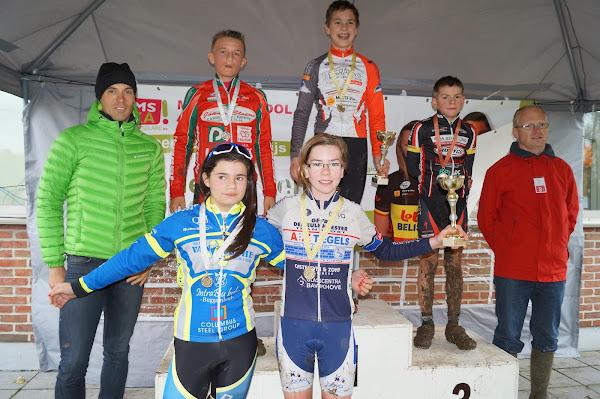 Podium Aspirantencross jongens 13 jaar en meisjes 13 jaar MSKA Roeselare