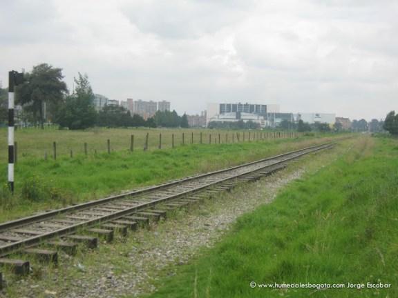 Ferrocarril que atraviesa el Humedal Salitre Greco